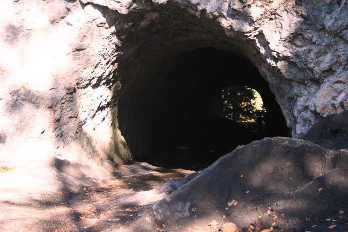 Cheile Bicazului: Pestera Tunel