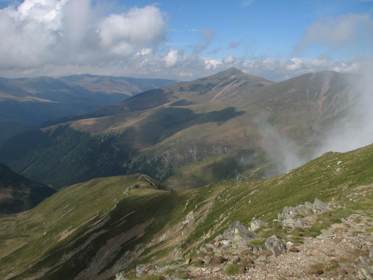 Muntele cu oameni (2 ) – Godeanu, muntele zeilor daci