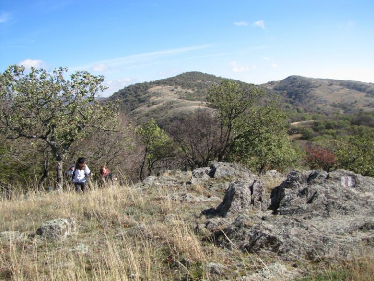 Munţii Măcin mereu surprinzători – în jurul satului Balabancea pe culmile Crapcea, Echiştea şi Dăniţă